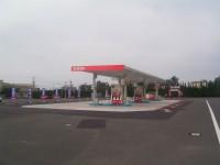 セルフガソリンスタンド+ランドリー「セルフ大社SS」